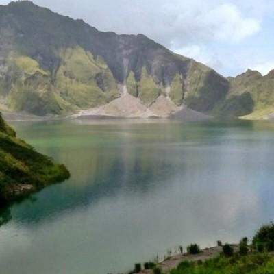 Mt Pinatubo craterlake