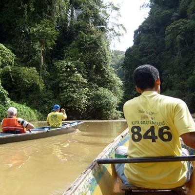 Pagsanjan Gorge paddling upstream