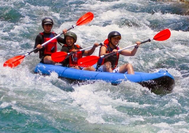 white water kayaking daytour