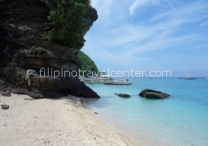 Apo-Island-Shoreline
