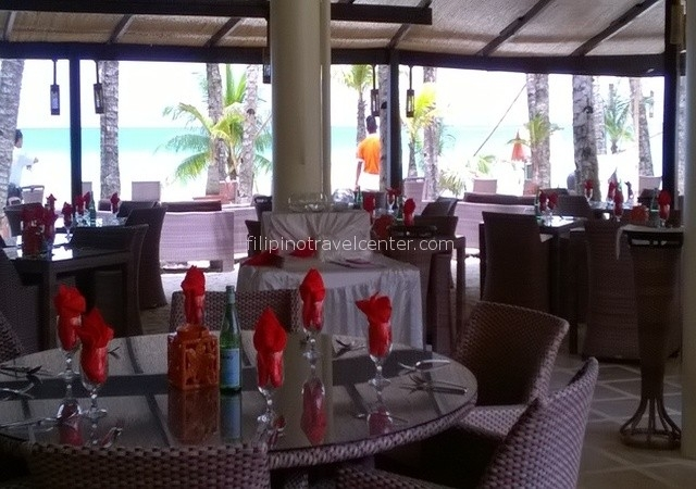 Beachfront-Restaurant-area-Ambassador-in-Paradise