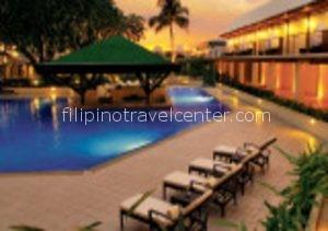 Manila Hotel Pool e