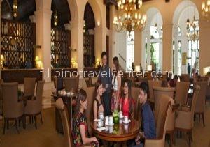 Manila Hotel lobby Lounge e