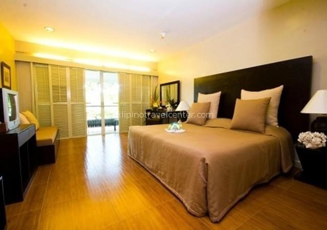 Montemar Deluxe room