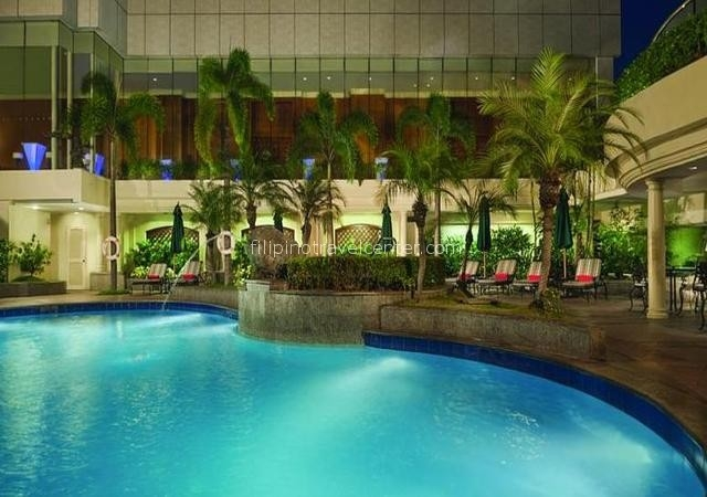 Pan Pacific swimming Pool e