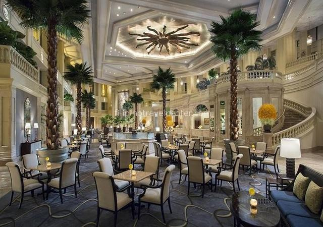 Peninsula Hotel in Makati Lobby
