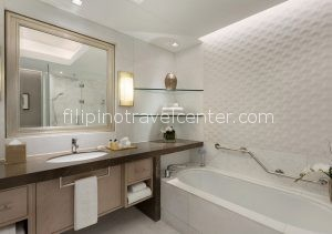 Shangri-La The Fort Deluxe bathroom e