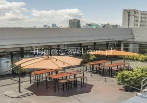 amelie-hotel-roofdeck-lounge-area