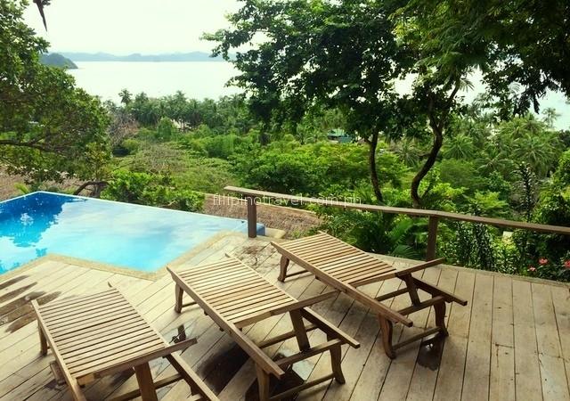 overlooking-resorts-infinity-bench