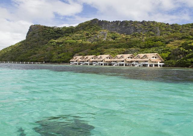 Apulit Island Loft Water Cottage