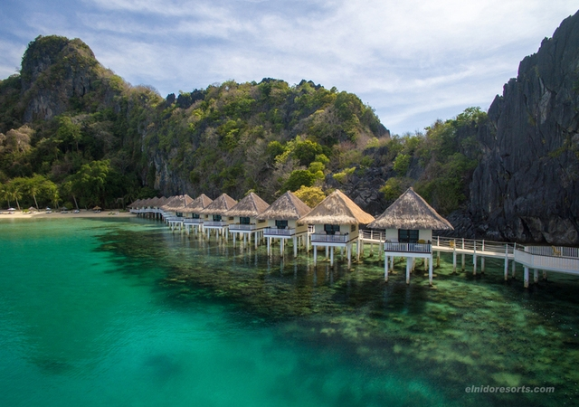 Apulit Island Water Cottage