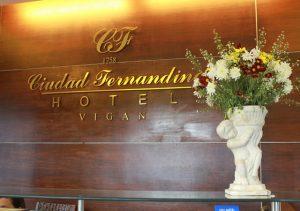 Ciudad Fernandina Vigan Hotel frontdesk