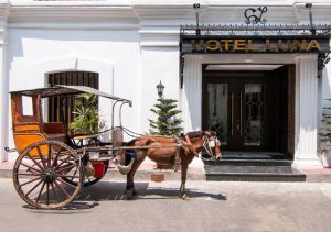 Hotel Luna Vigan Fron Door with Kalesa