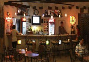 Java Hotel Laoag bar