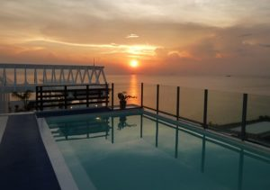 Microtel Mall of Asia infinity pool