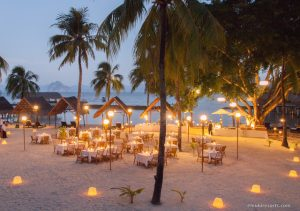 Miniloc Island beach dinner