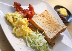 Red Planet Aseana Breakfast