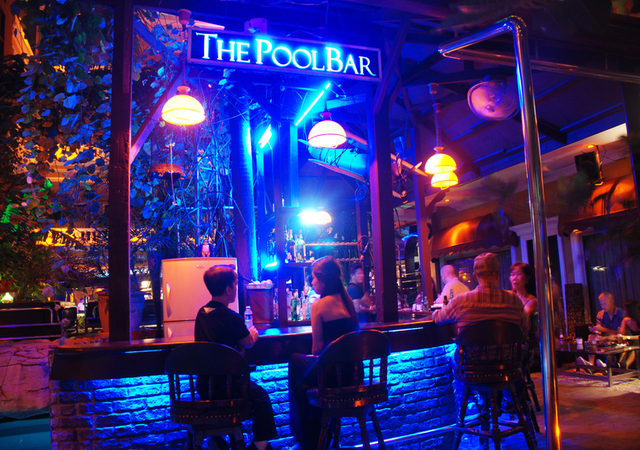 ABC Hotel Angeles Pool Bar