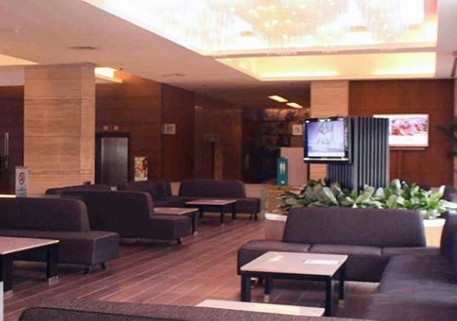 Remington Hotel Lounge 2
