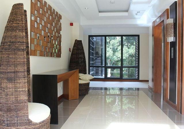 Best Western Ivy Wall Palawan Hallway