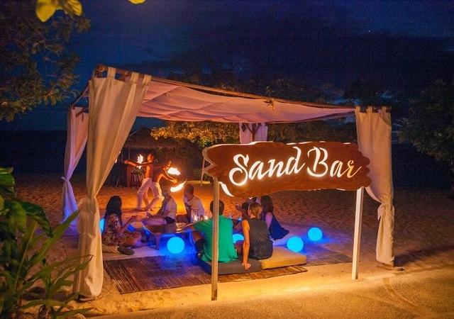 Club Paradise Sand bar