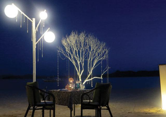 Club Paradise night dining