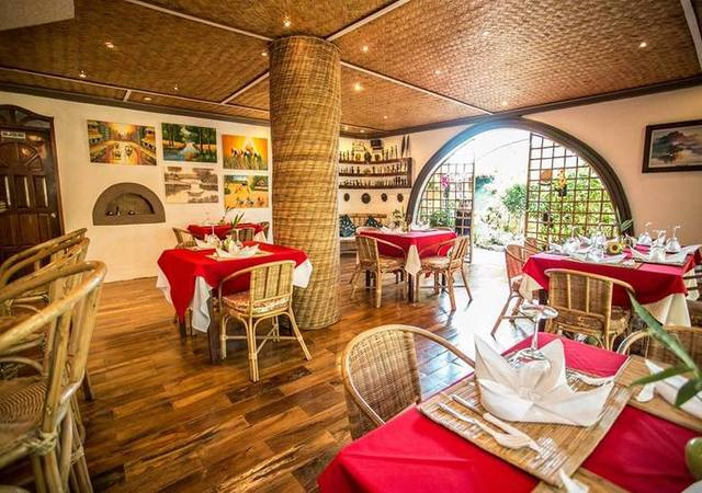 Floral Villarosa Palawan Dining area