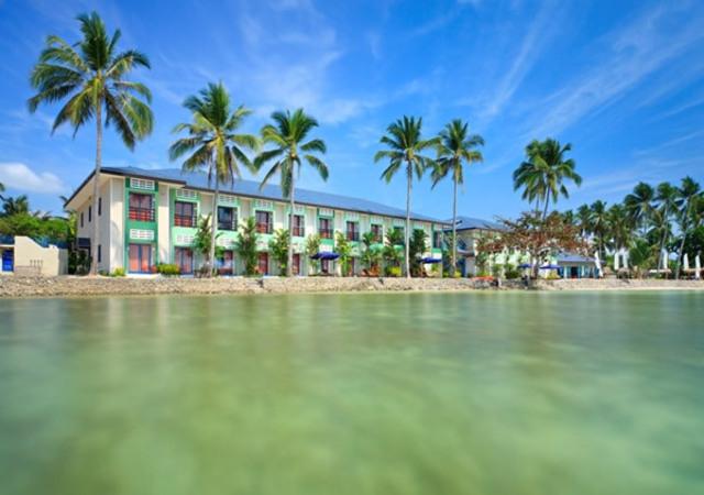 Microtel Palawan Beach Area facade