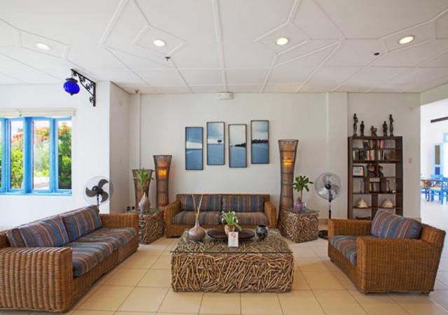 Microtel Palawan Lobby