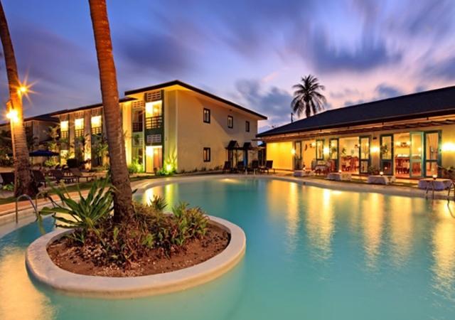 Microtel Palawan Pool