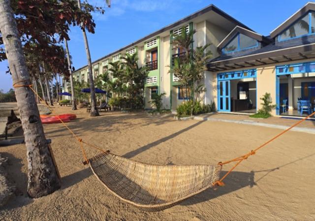 Microtel Palawan Sands iwth hammoc