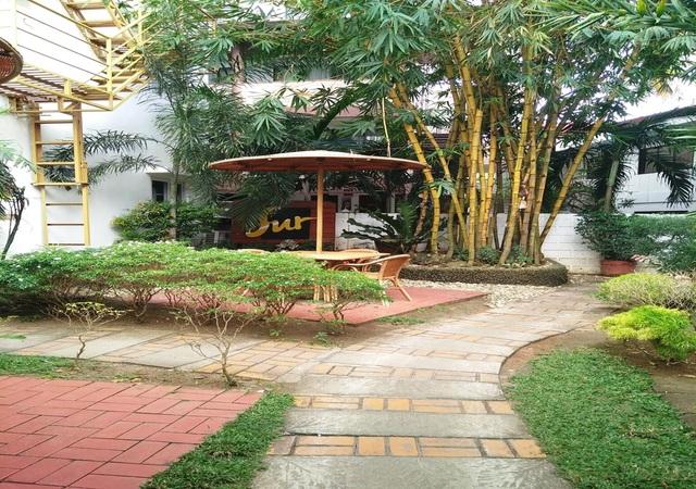 Sur Beach Boracay garden area