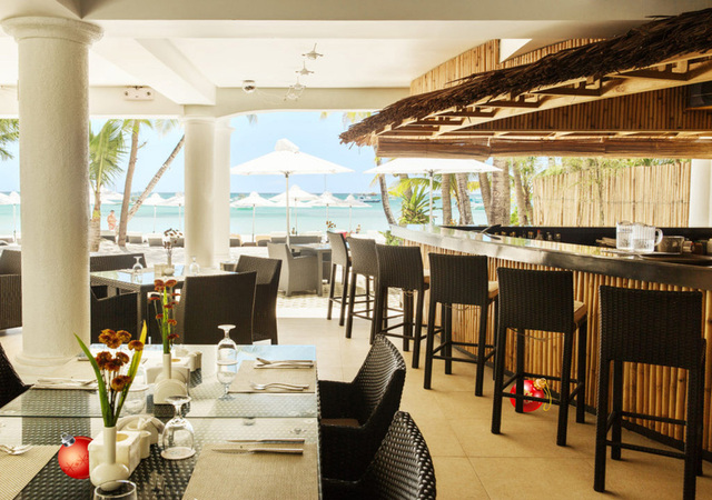 Villa Caemilla Boutique Boracay dining beach view