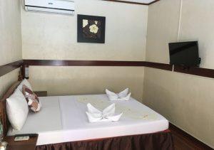 Flora Villarosa Room