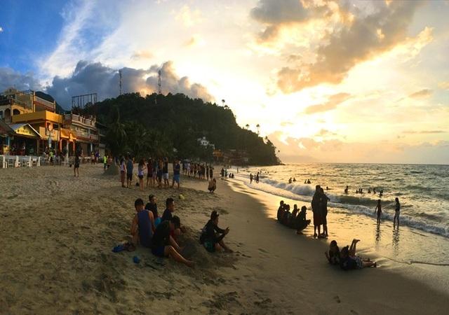 White Beach Mindoro Philippines