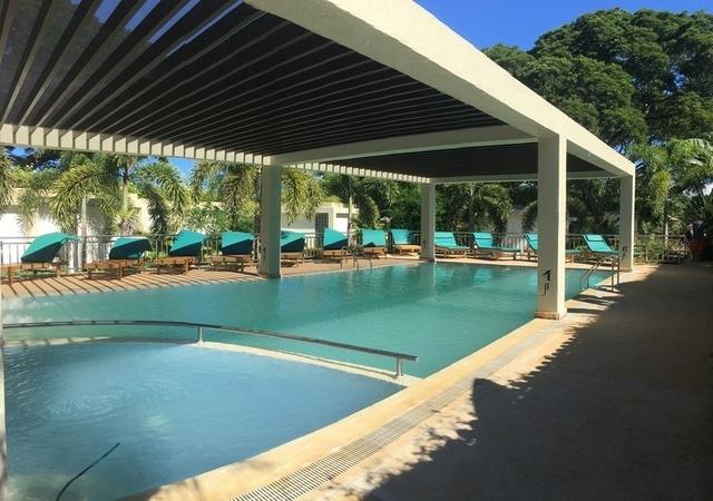 Munting Paraiso Pool Palawan Philippines